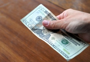 Detect-Counterfeit-US-Money-Step-1