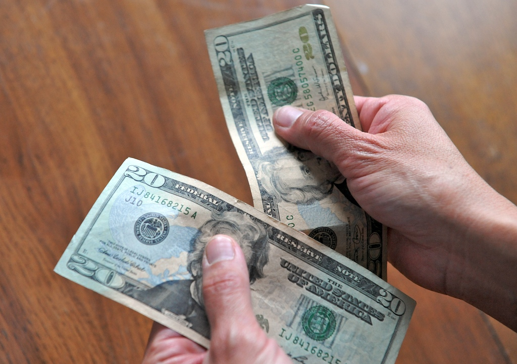 How to Detect Counterfeit US Money | iSpotFake  Do you?
