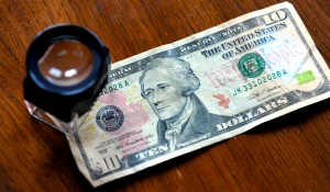 Detect-Counterfeit-US-Money-Step-4 (1)